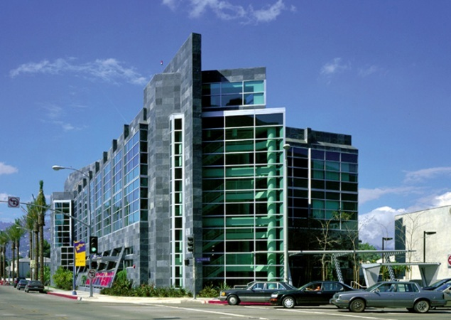 Cedars-Sinai_Medical_Center_01.jpg